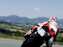Ducati 899 Panigale: your road to the track / la tua strada verso la pistaの画像